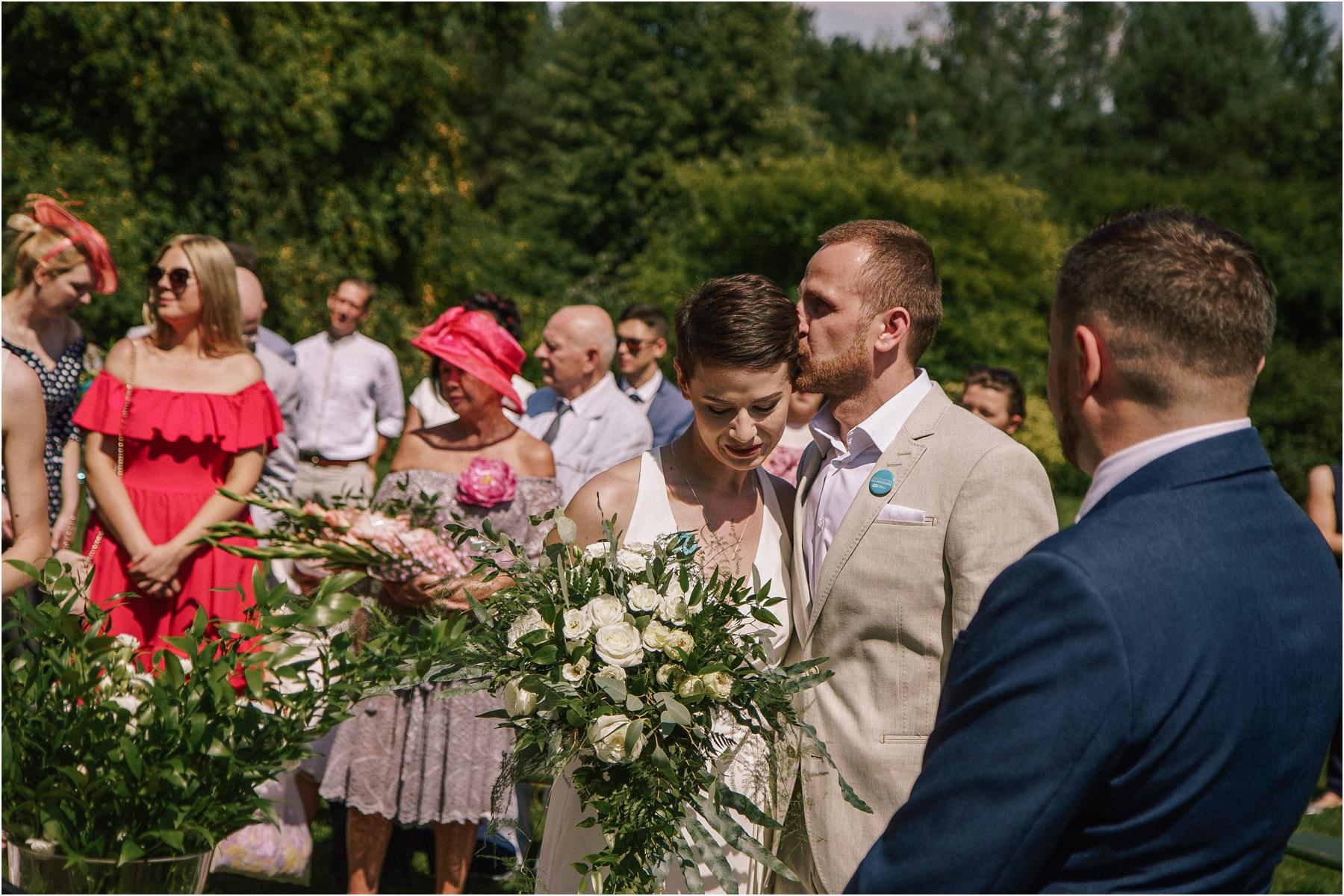 Kamila & Łukasz | ślub plenerowy w skansenie Muzeum Wsi Kieleckiej 33