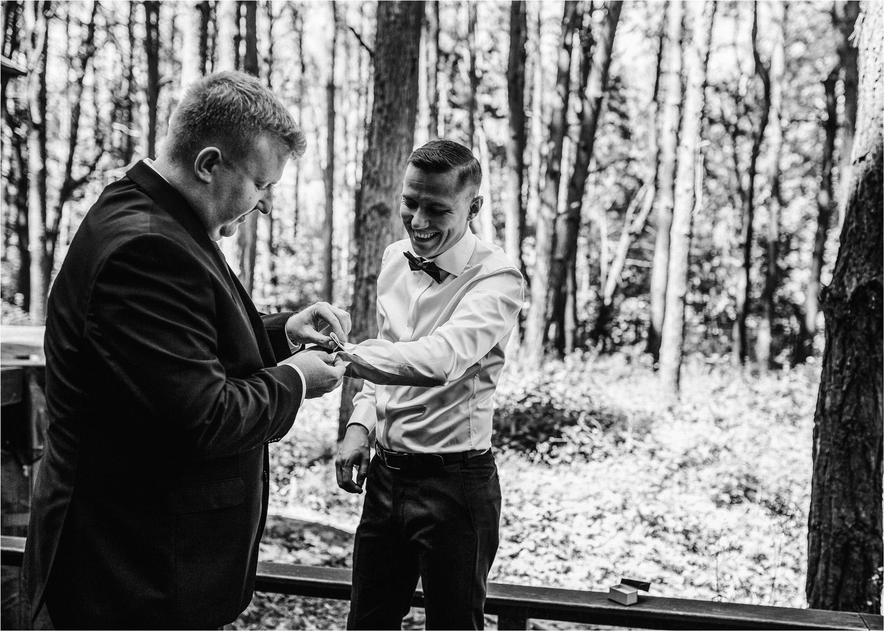 Ewa & Mateusz | leśny ślub w Uroczysku 25