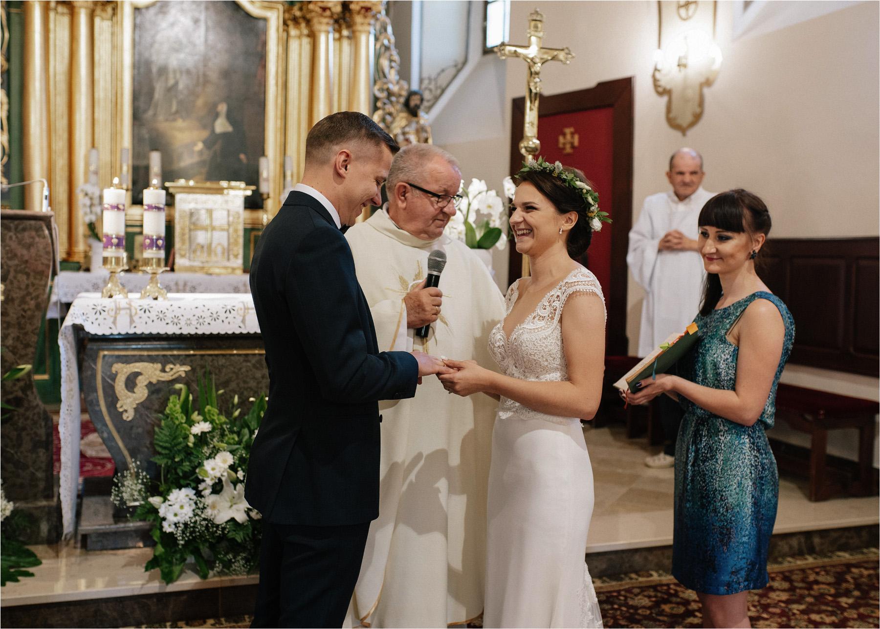 Ewa & Mateusz | leśny ślub w Uroczysku 49