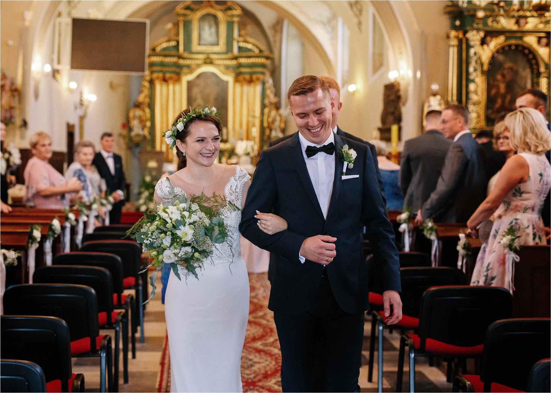 Ewa & Mateusz | leśny ślub w Uroczysku 53