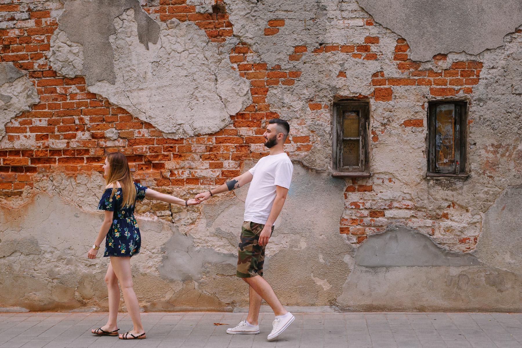 Wiktoria & Maciek | miejska sesja na dworcu PKS 15