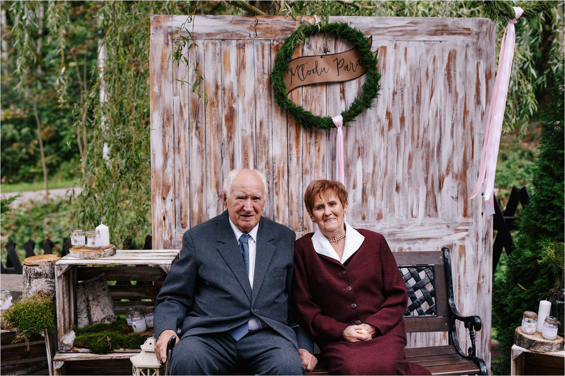 Kasia & Tomek | cystersi i slow wedding w Sabatówce 61