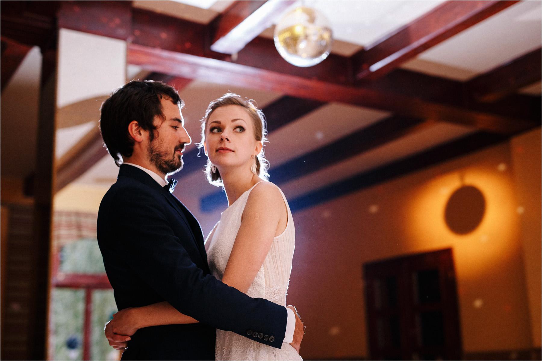 Kasia & Tomek | cystersi i slow wedding w Sabatówce 73