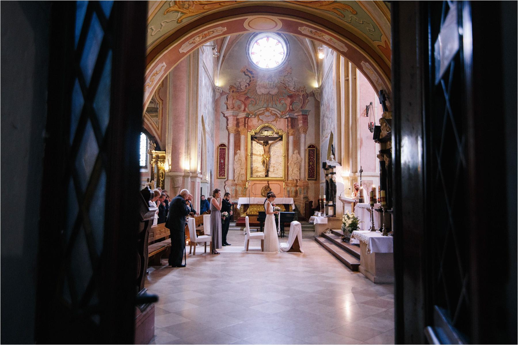Kasia & Tomek | cystersi i slow wedding w Sabatówce 29