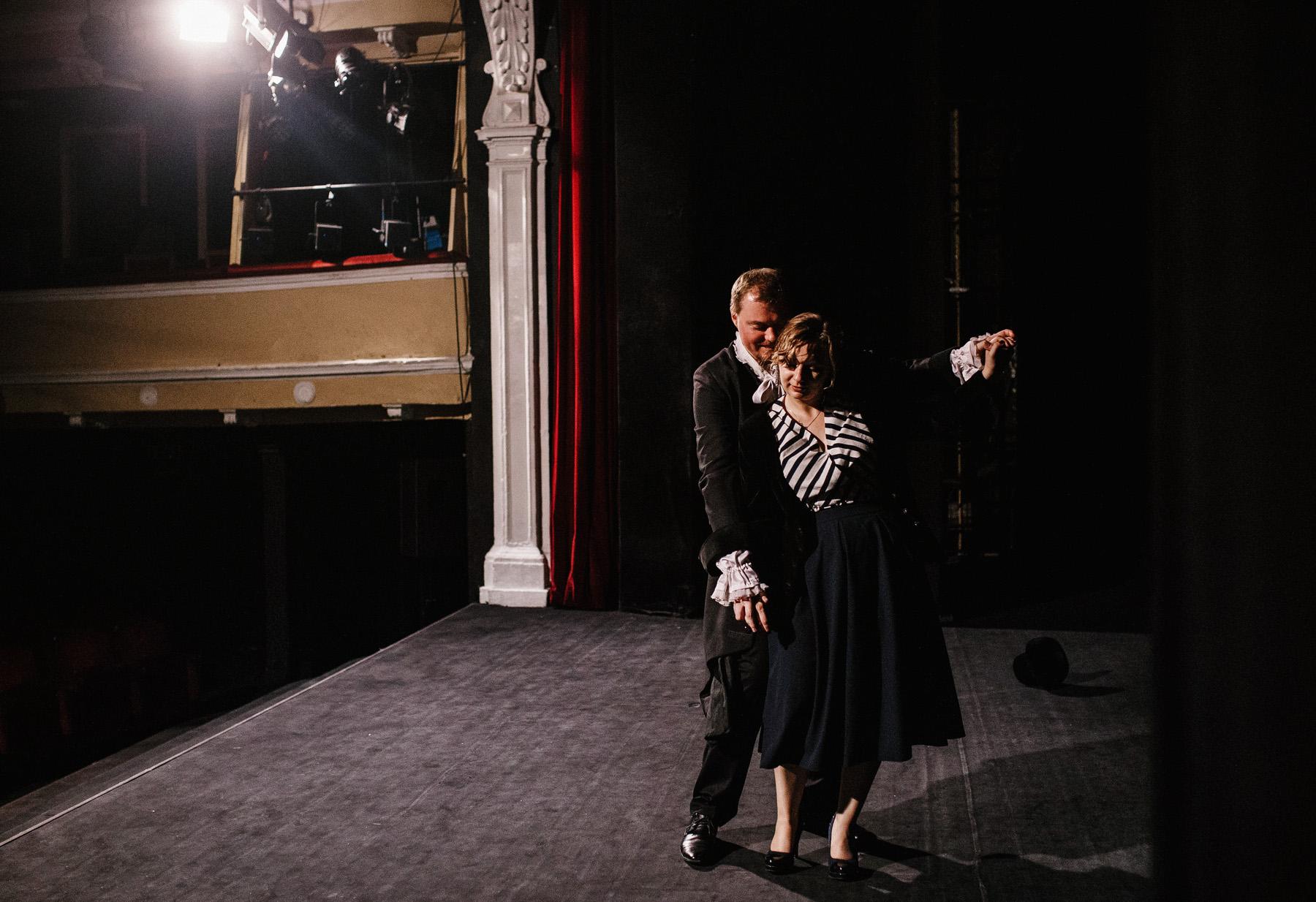 Patrycja & Artur | sesja w teatrze 14