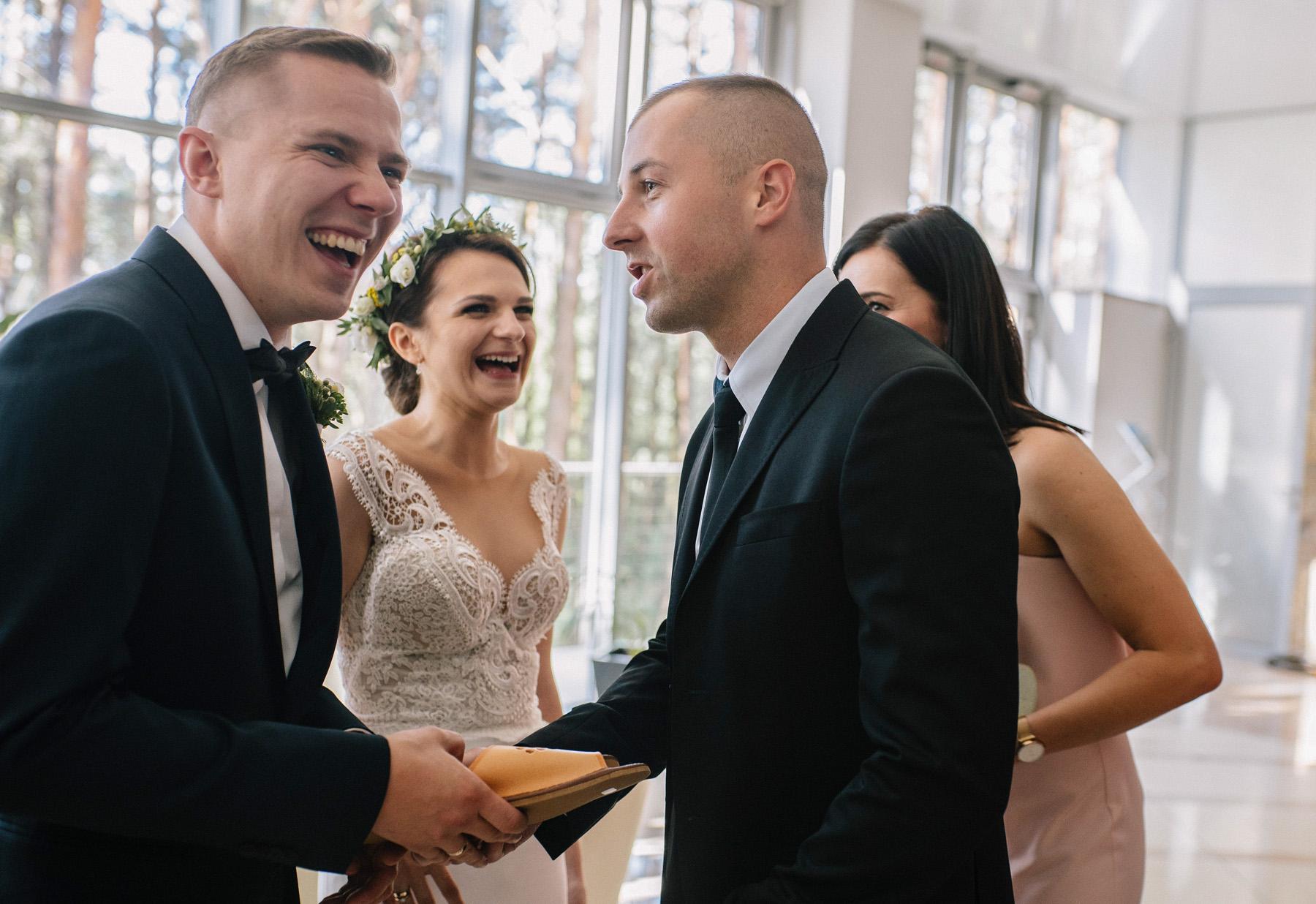 Ewa & Mateusz | leśny ślub w Uroczysku 60