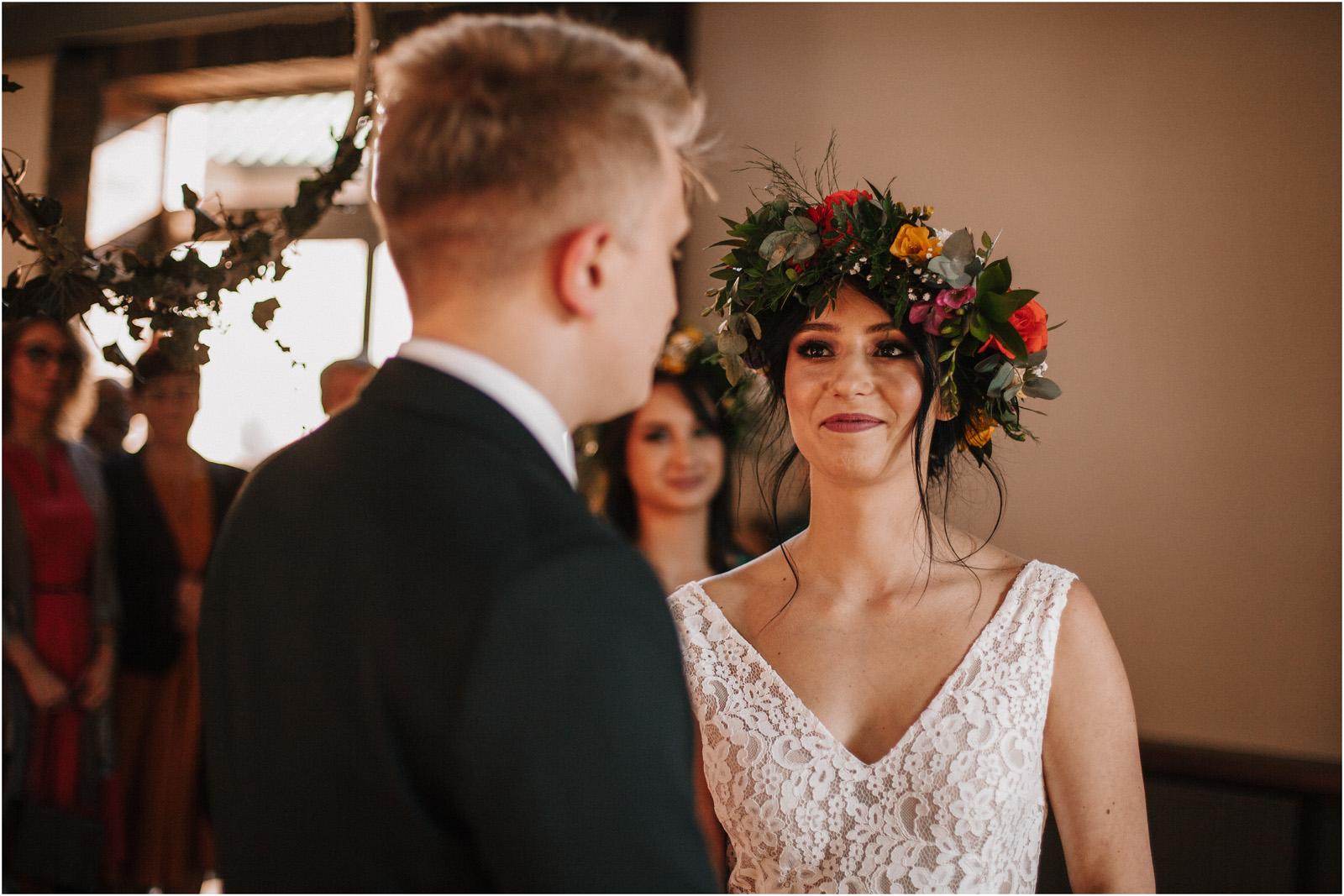 Asia & Krzysiek   rustykalny ślub w Gościńcu za Borem 36