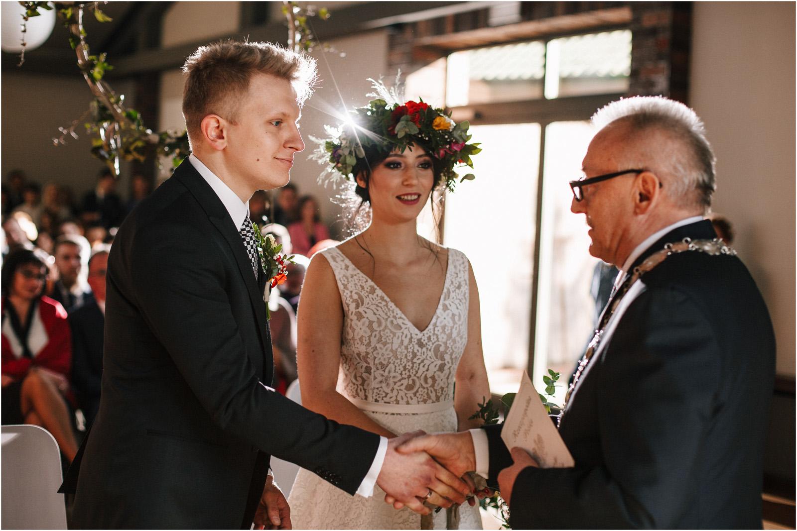 Asia & Krzysiek   rustykalny ślub w Gościńcu za Borem 39
