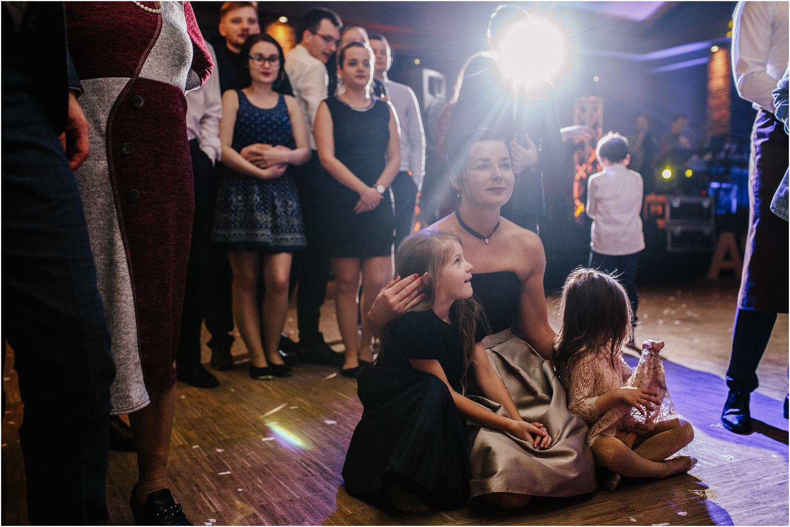 Asia & Krzysiek   rustykalny ślub w Gościńcu za Borem 56