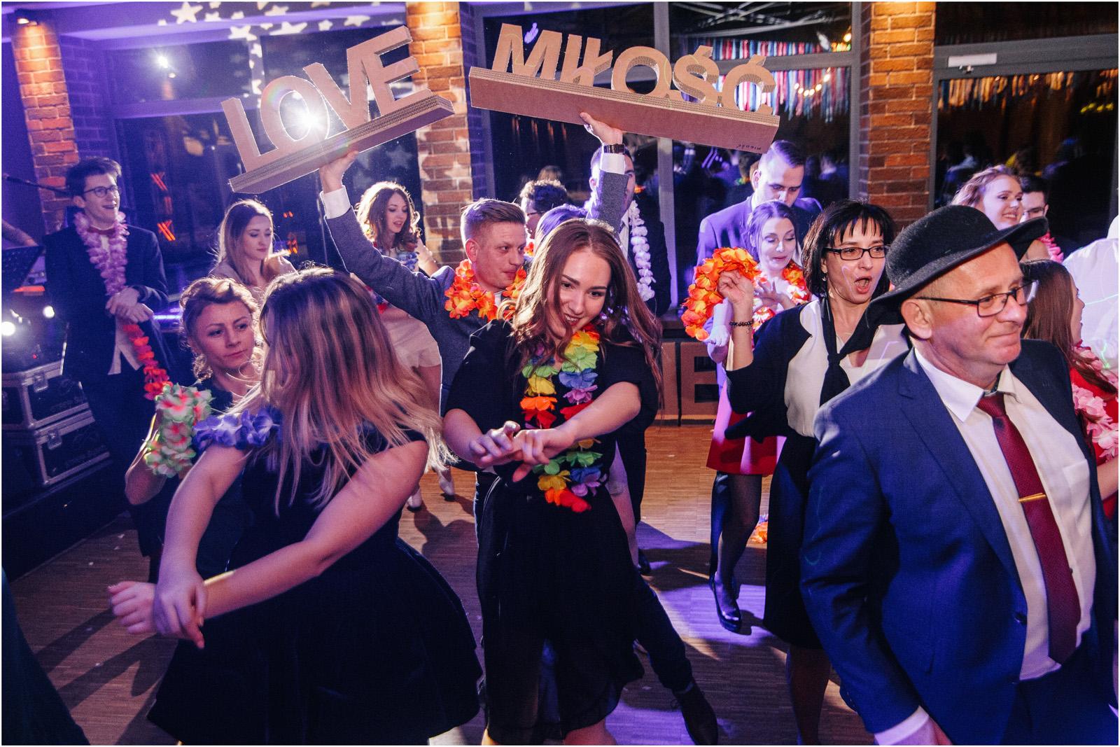 Asia & Krzysiek   rustykalny ślub w Gościńcu za Borem 68