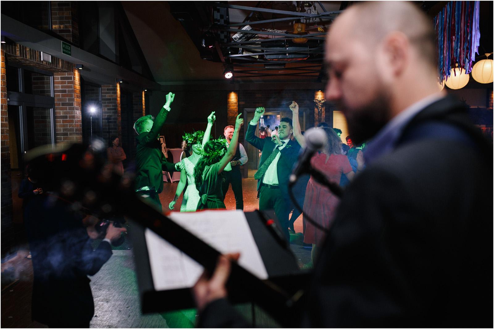 Asia & Krzysiek   rustykalny ślub w Gościńcu za Borem 71