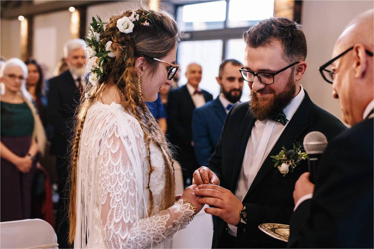 Gosia & Tomek   zimowy ślub w Gościńcu za Borem 23