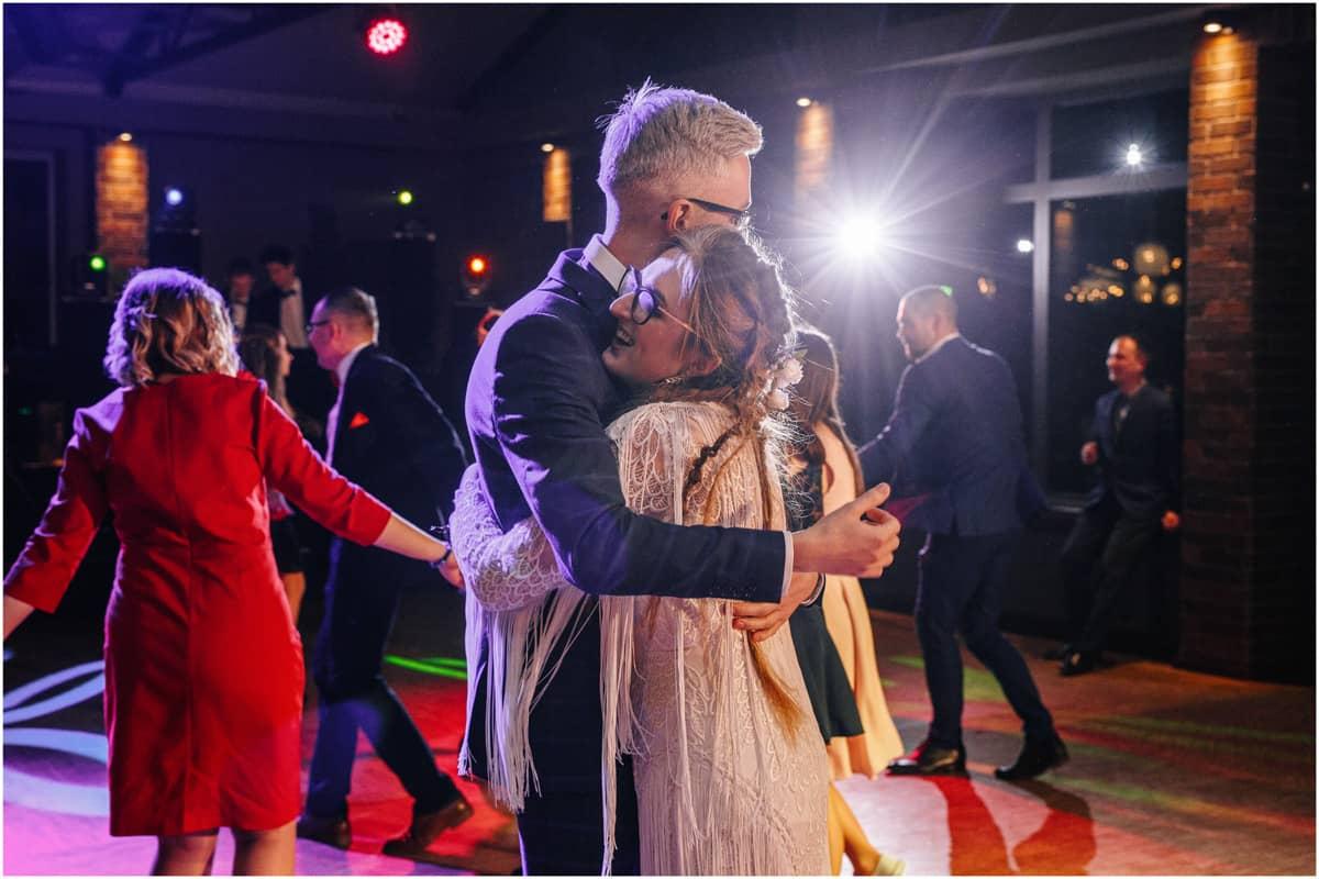 Gosia & Tomek | zimowy ślub w Gościńcu za Borem 42