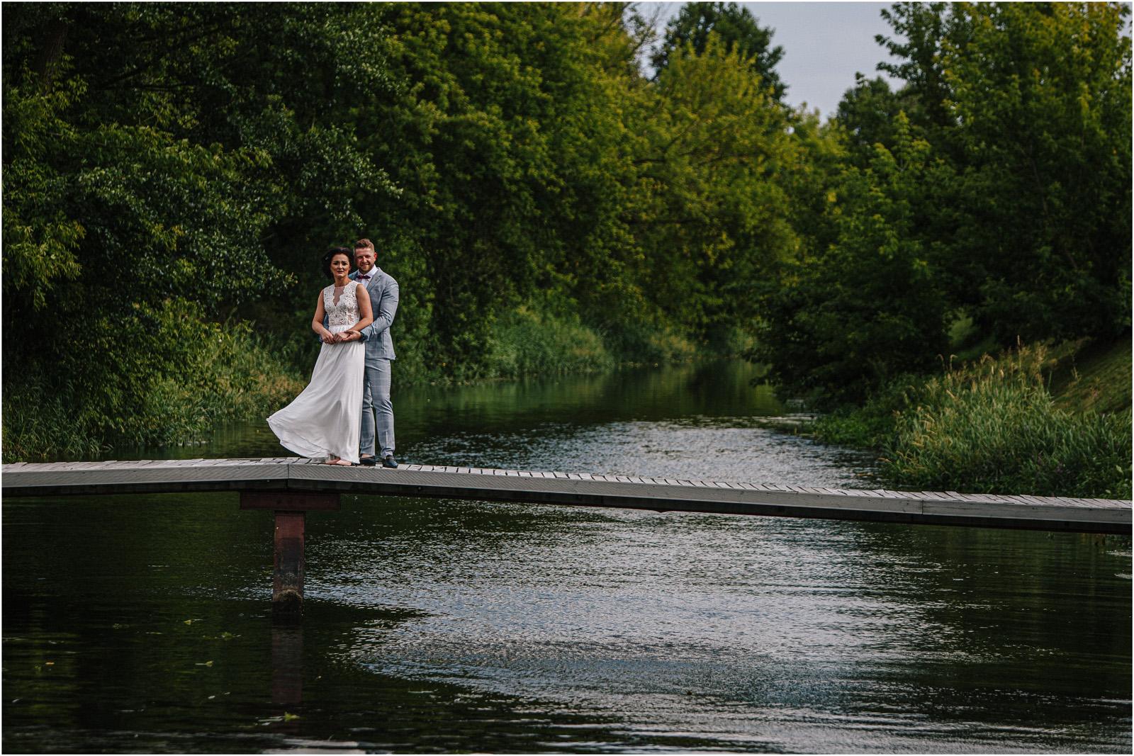 Justyna & Kamil | plenerowy ślub w Bobrowym Dworze 17