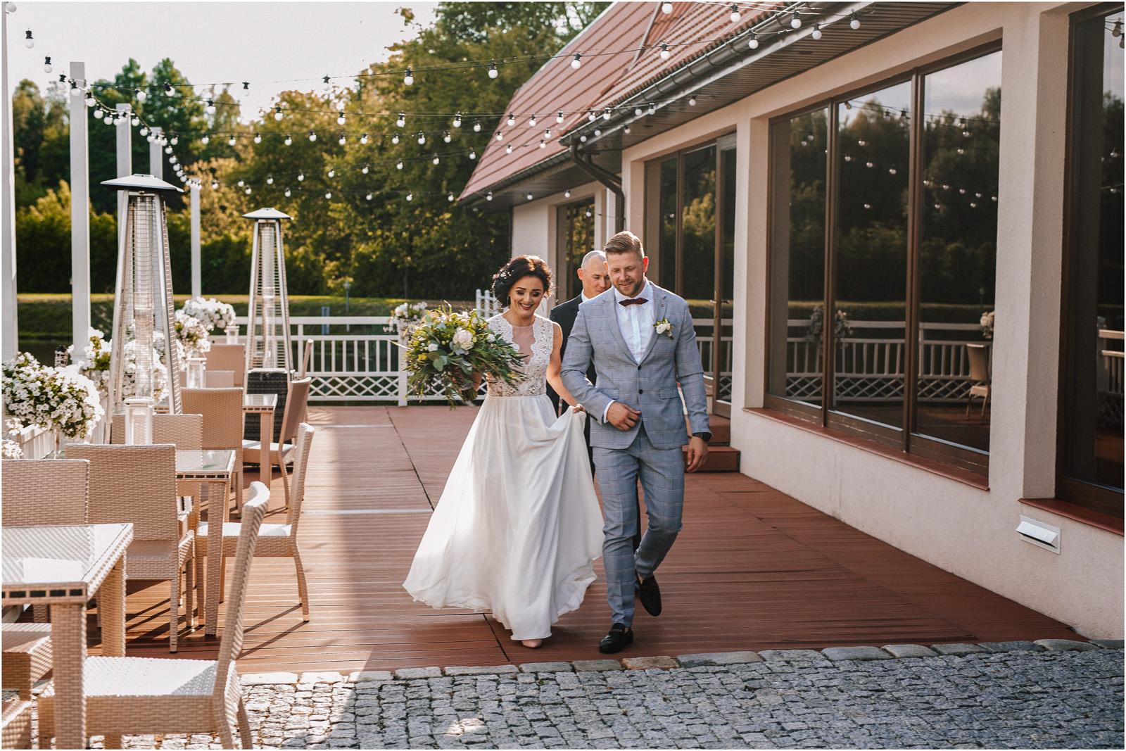 Justyna & Kamil | plenerowy ślub w Bobrowym Dworze 20