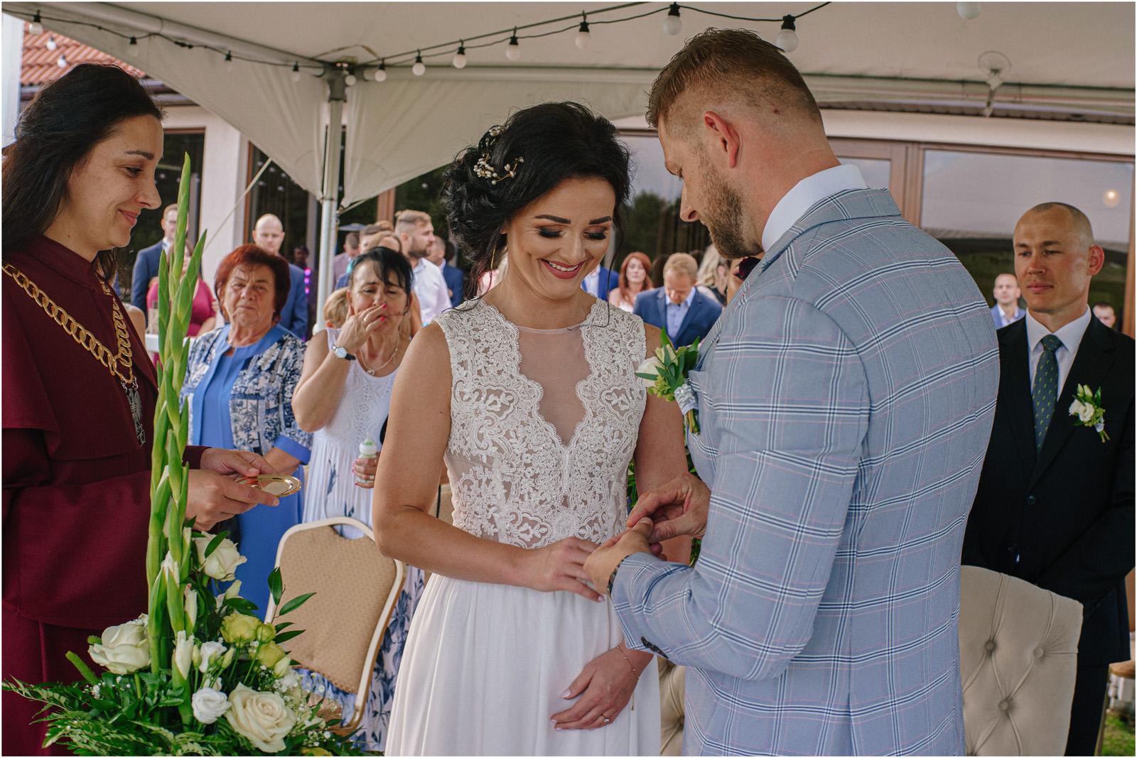 Justyna & Kamil | plenerowy ślub w Bobrowym Dworze 27