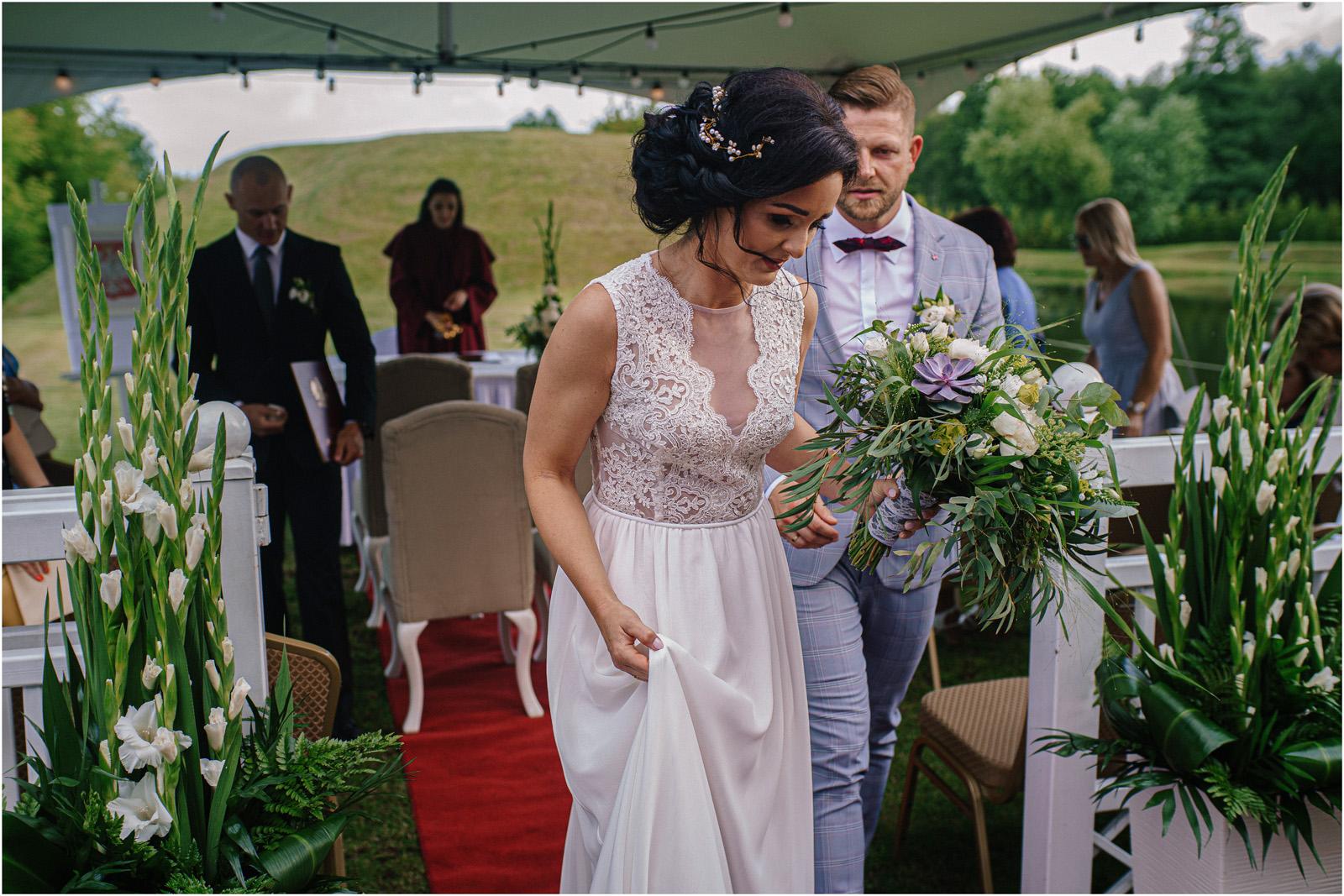 Justyna & Kamil | plenerowy ślub w Bobrowym Dworze 29