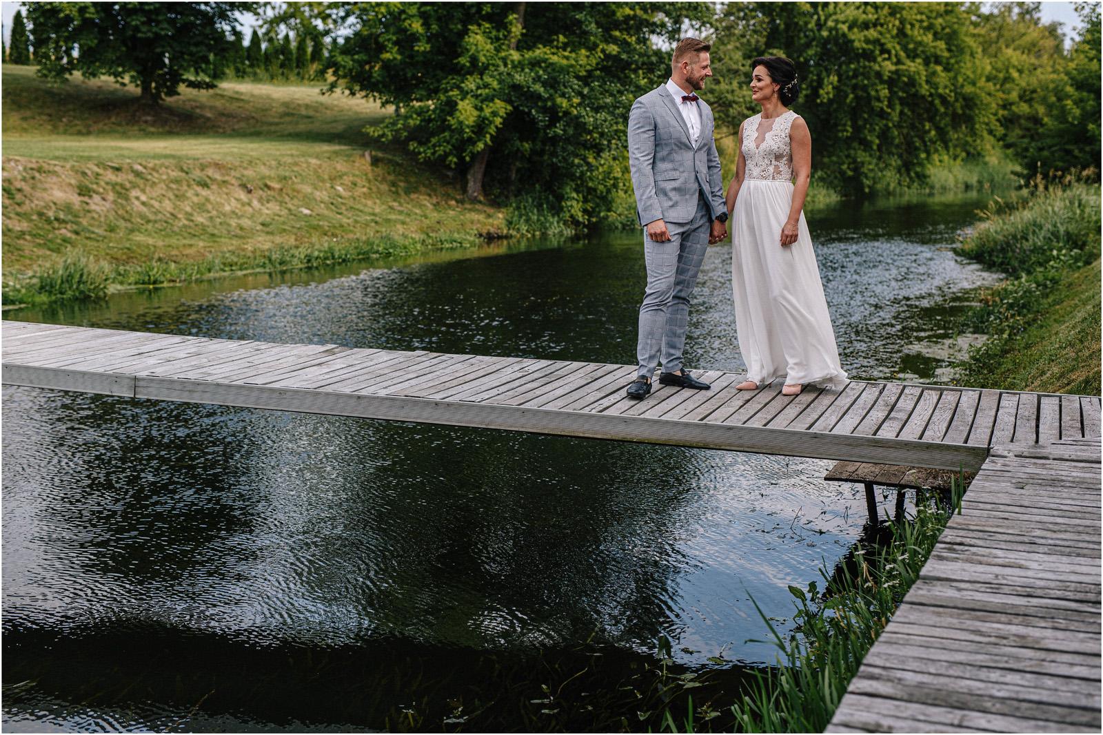 Justyna & Kamil | plenerowy ślub w Bobrowym Dworze 15