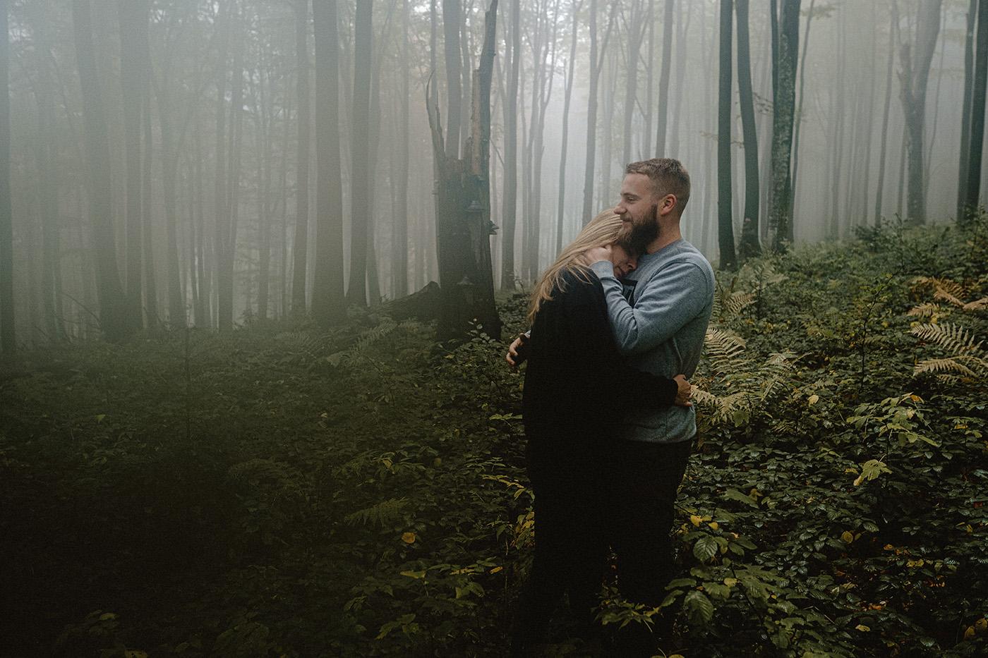 Ania & Szczepan | leśna sesja w Bieszczadach 37