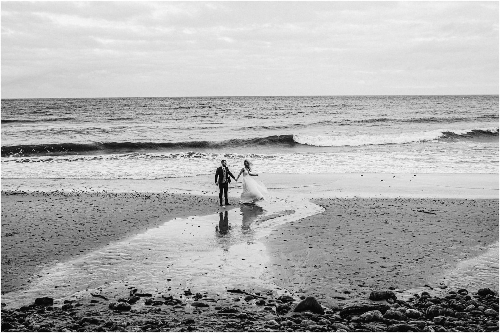 Ania & Szczepan | sesja nad morzem (b&w) 36