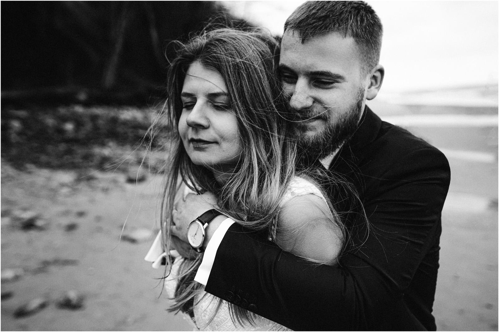 Ania & Szczepan | sesja nad morzem (b&w) 26
