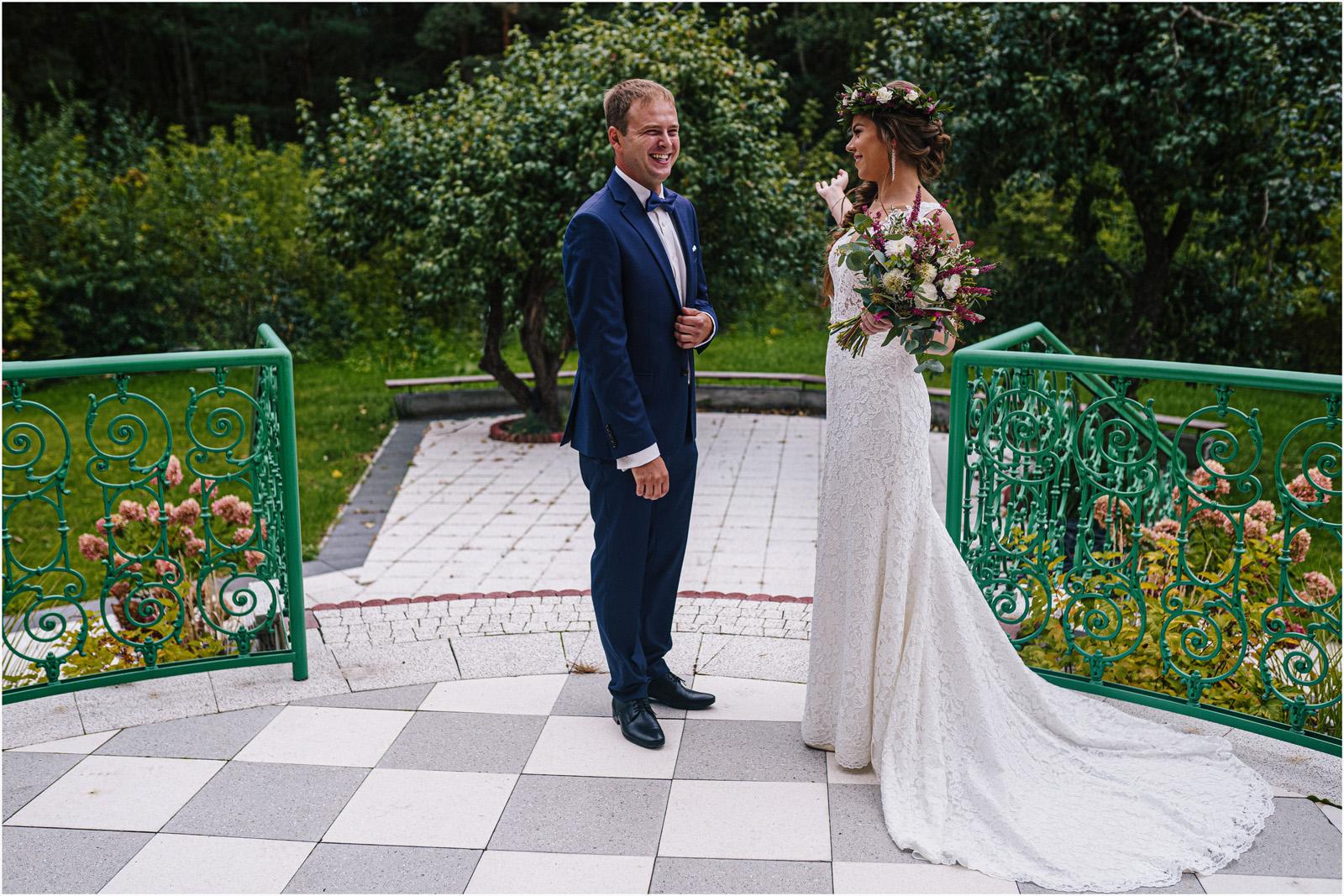 Kasia & Kamil | rustykalny ślub w Folwarku u Różyca 14