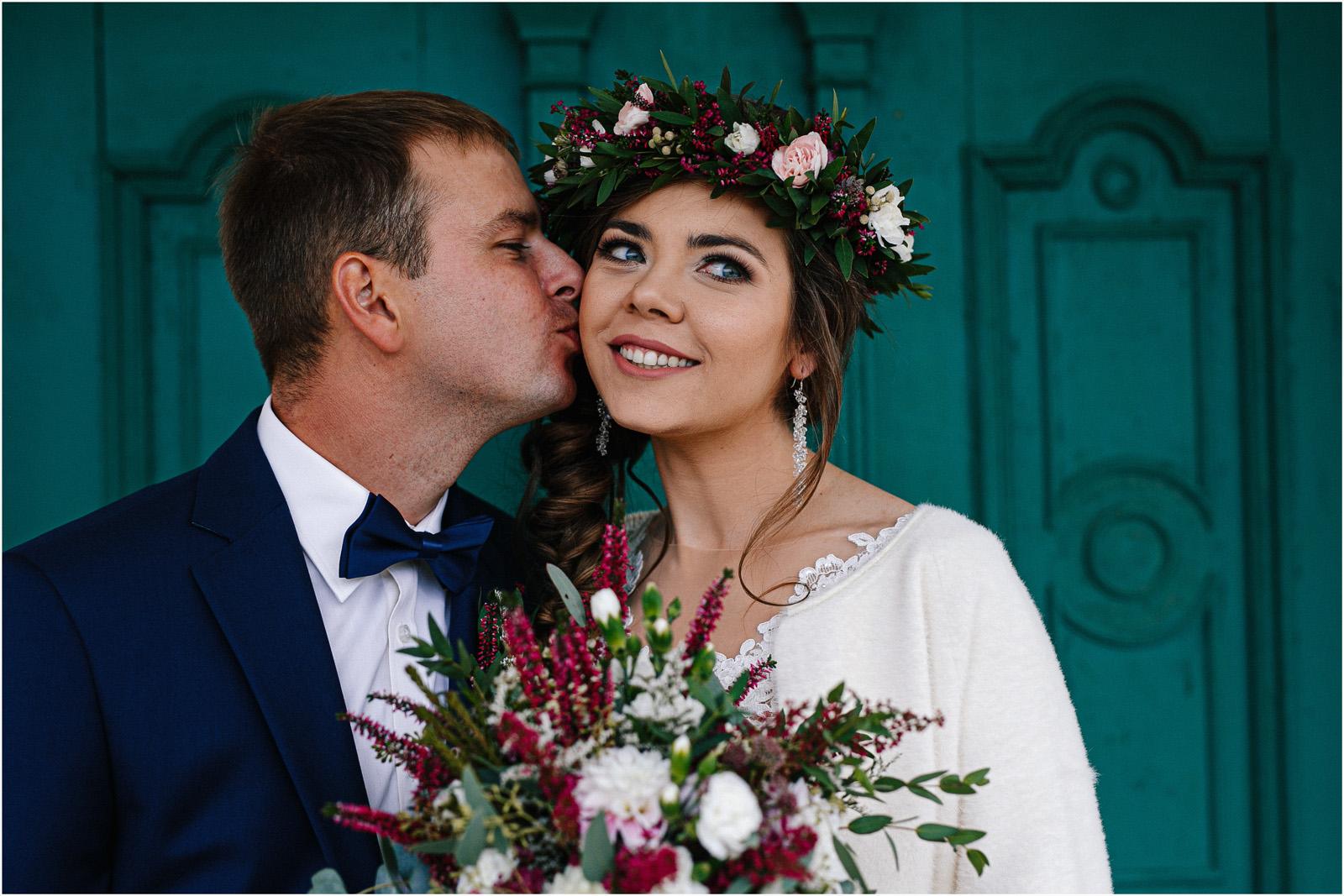 Kasia & Kamil | rustykalny ślub w Folwarku u Różyca 16