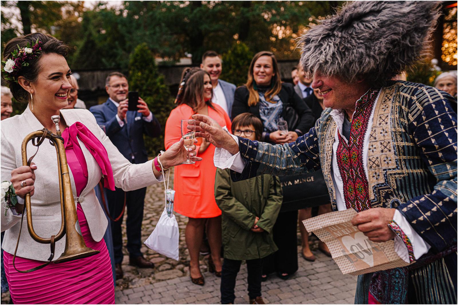 Kasia & Kamil | rustykalny ślub w Folwarku u Różyca 38