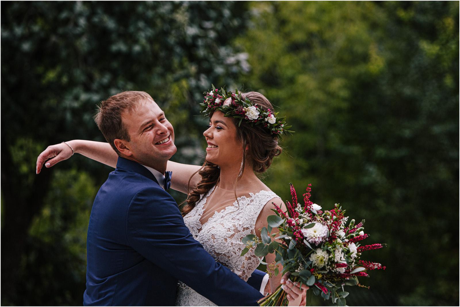 Kasia & Kamil | rustykalny ślub w Folwarku u Różyca 15