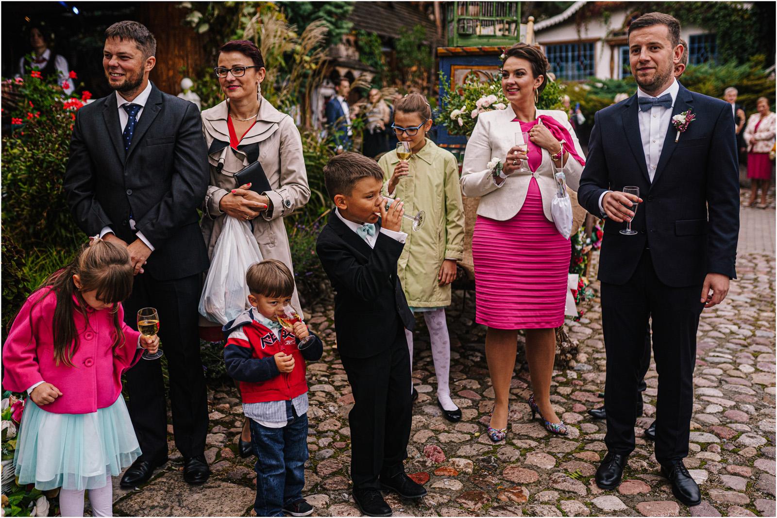 Kasia & Kamil | rustykalny ślub w Folwarku u Różyca 35