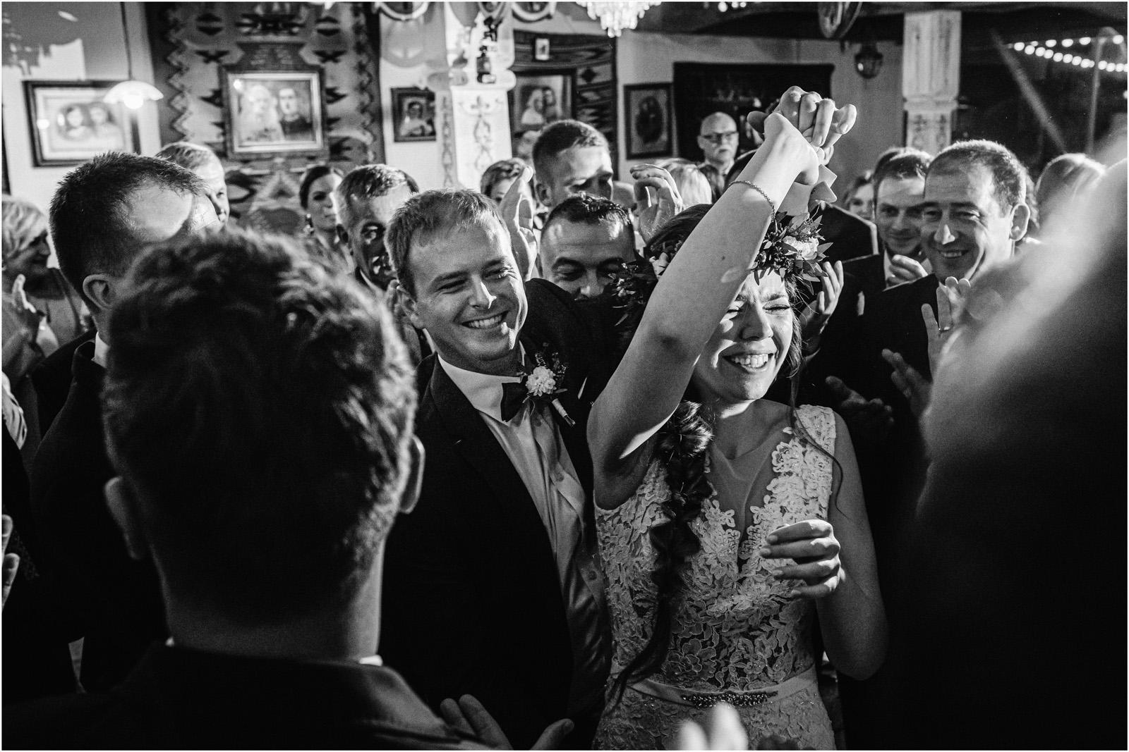 Kasia & Kamil | rustykalny ślub w Folwarku u Różyca 67