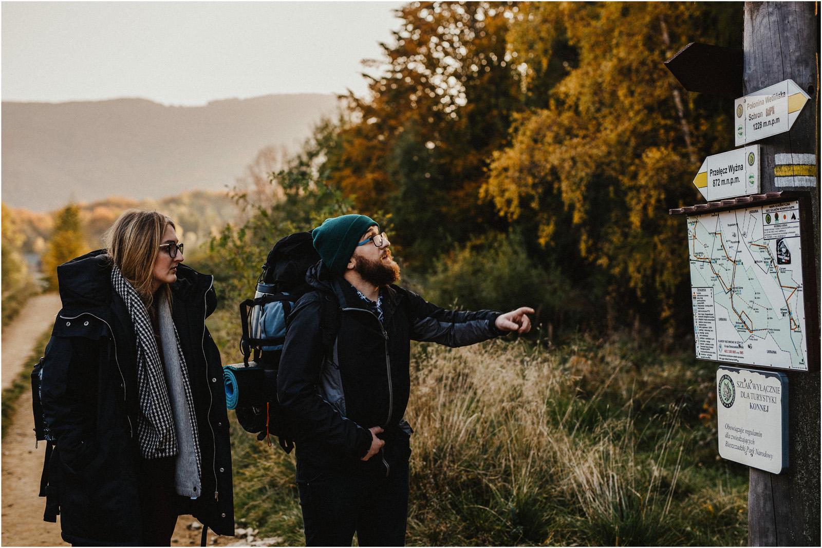 Jesień w Chatce Puchatka, czyli kulisy sesji Gosi i Tomka 18