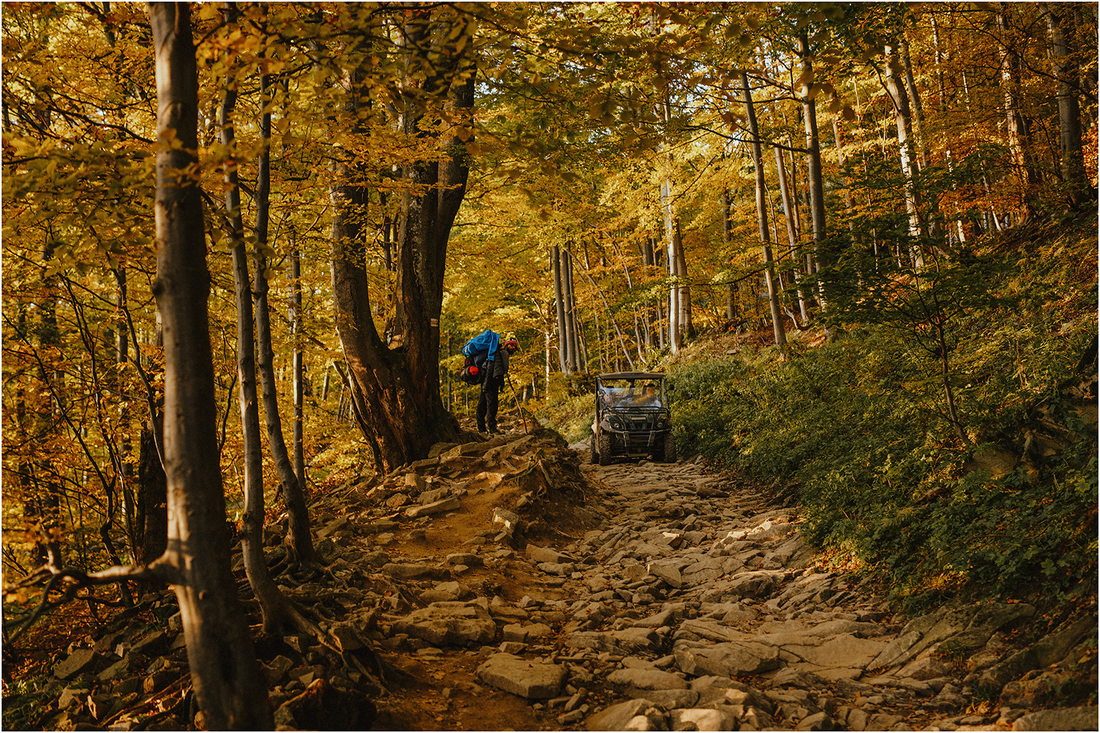 Jesień w Chatce Puchatka, czyli kulisy sesji Gosi i Tomka 20