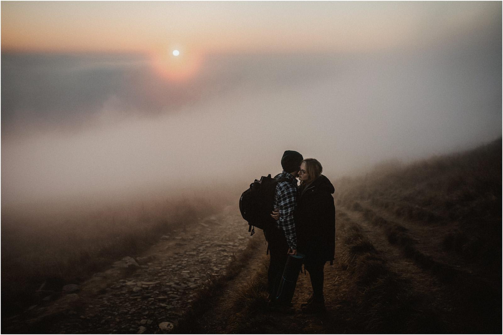Jesień w Chatce Puchatka, czyli kulisy sesji Gosi i Tomka 26
