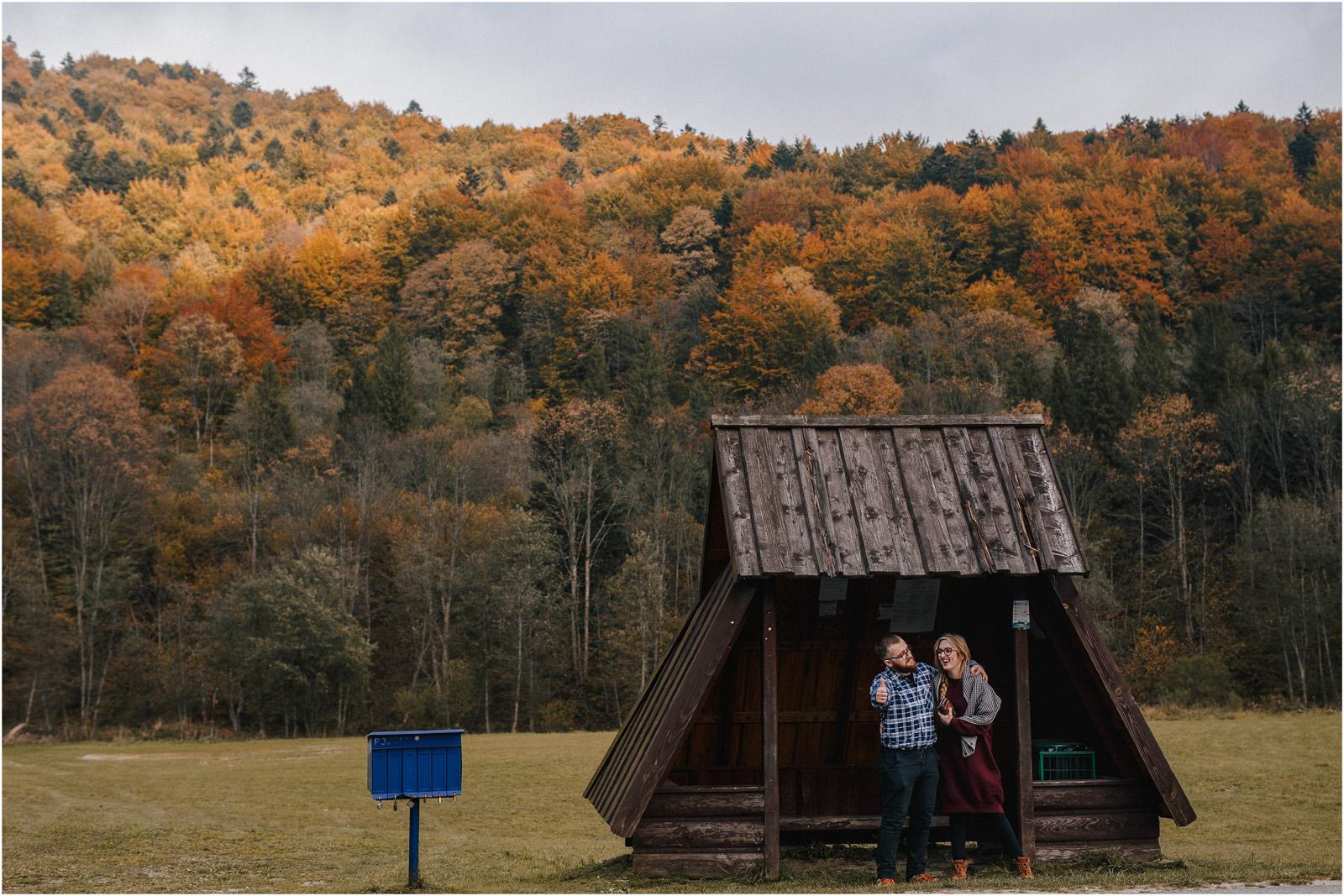 Jesień w Chatce Puchatka, czyli kulisy sesji Gosi i Tomka 4