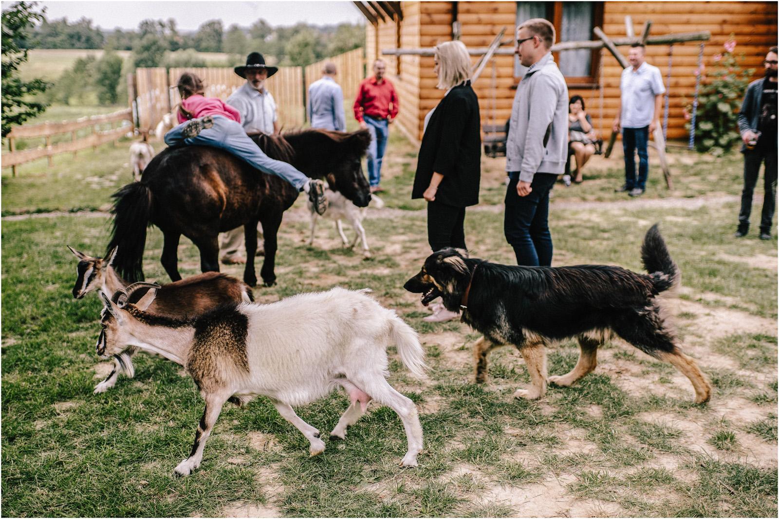 Agatka & Mati | garden party i impreza w stodole 57