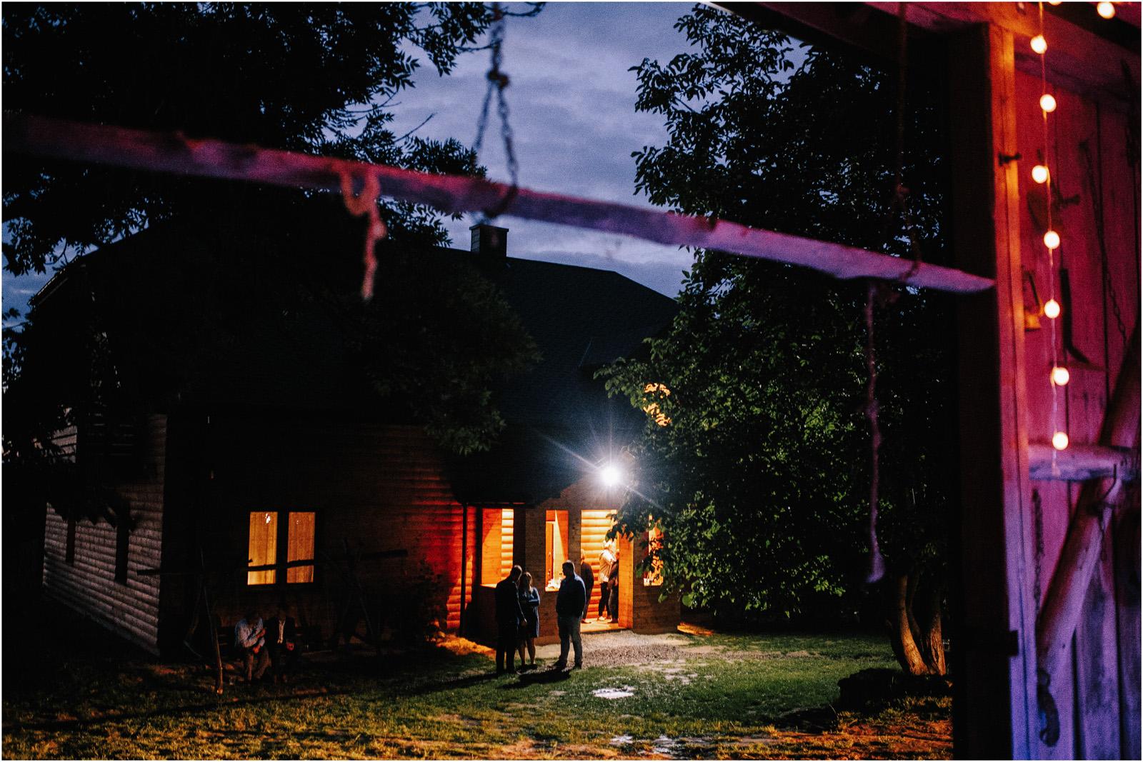 Agatka & Mati | garden party i impreza w stodole 69