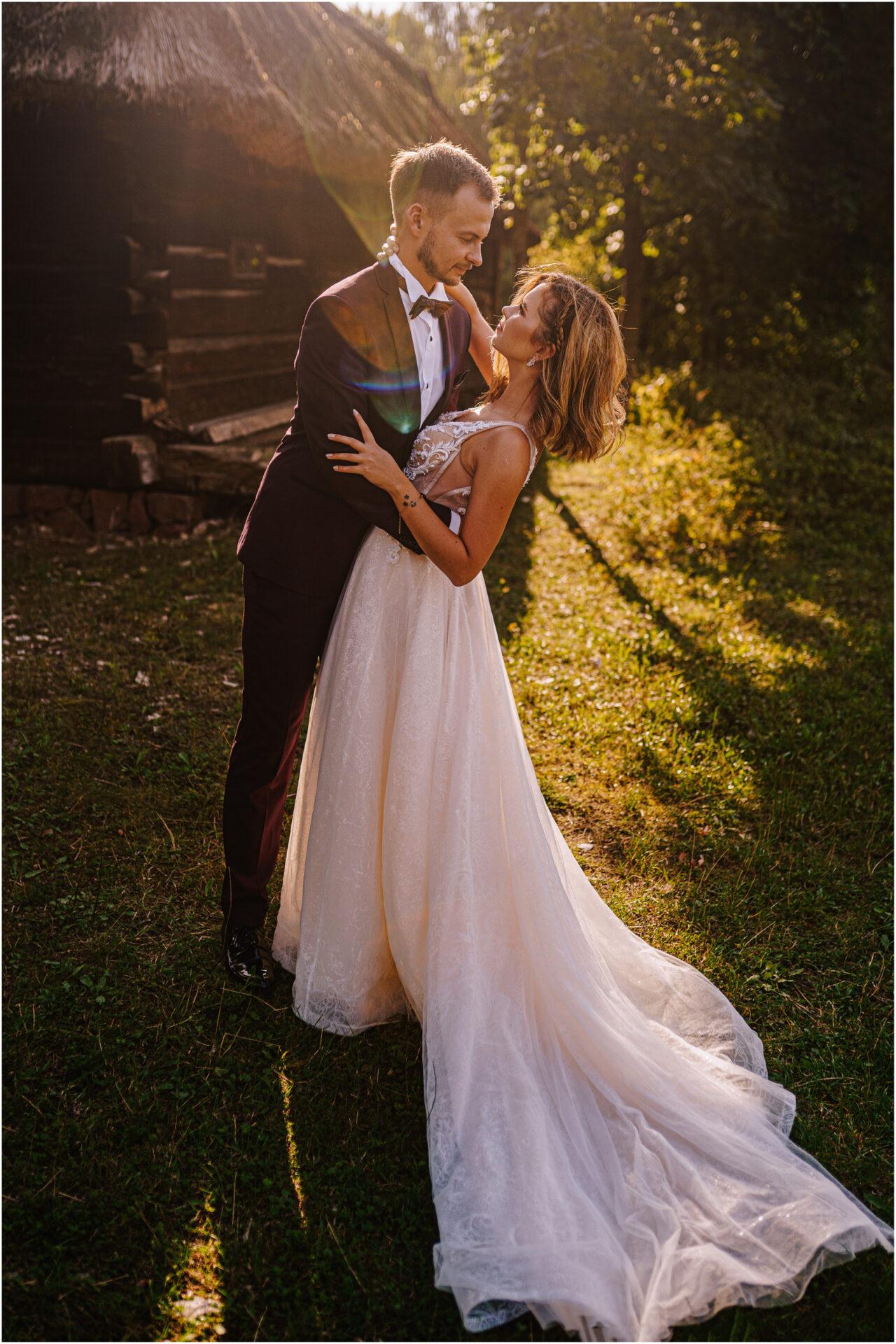 Kasia & Damian   ślub plenerowy w Kuźni Smaków i sesja w skansenie 125