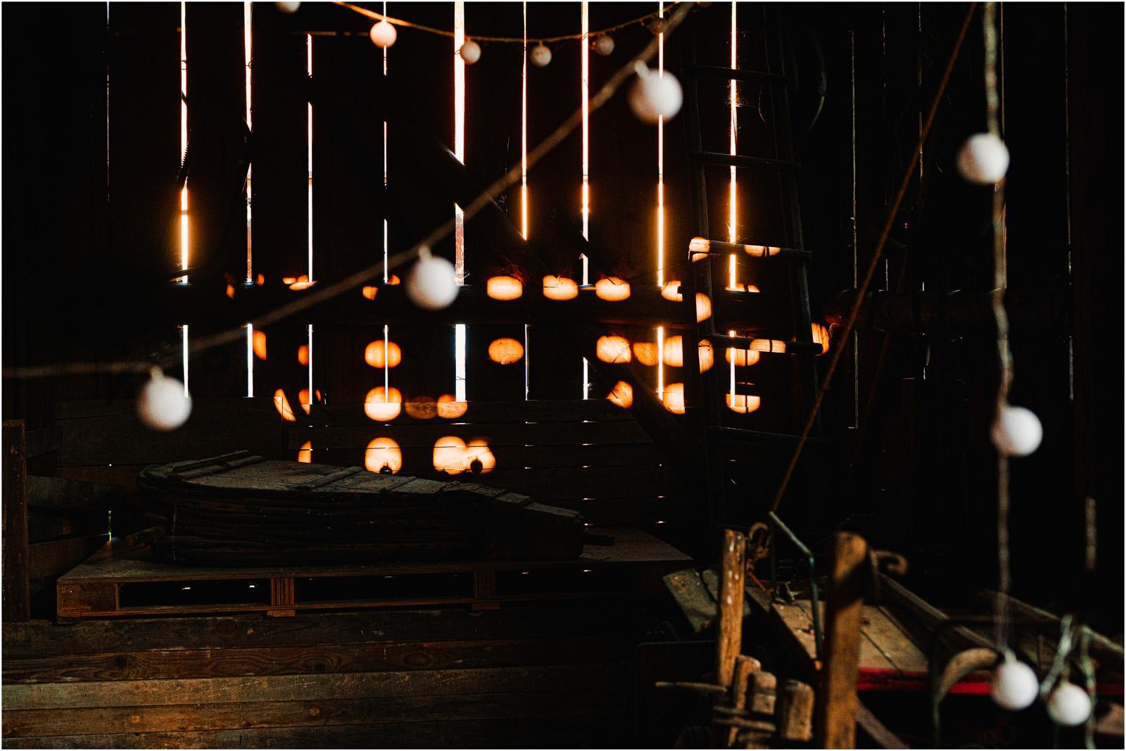 Ewelina & Seweryn | rustykalna sesja w stodole 17