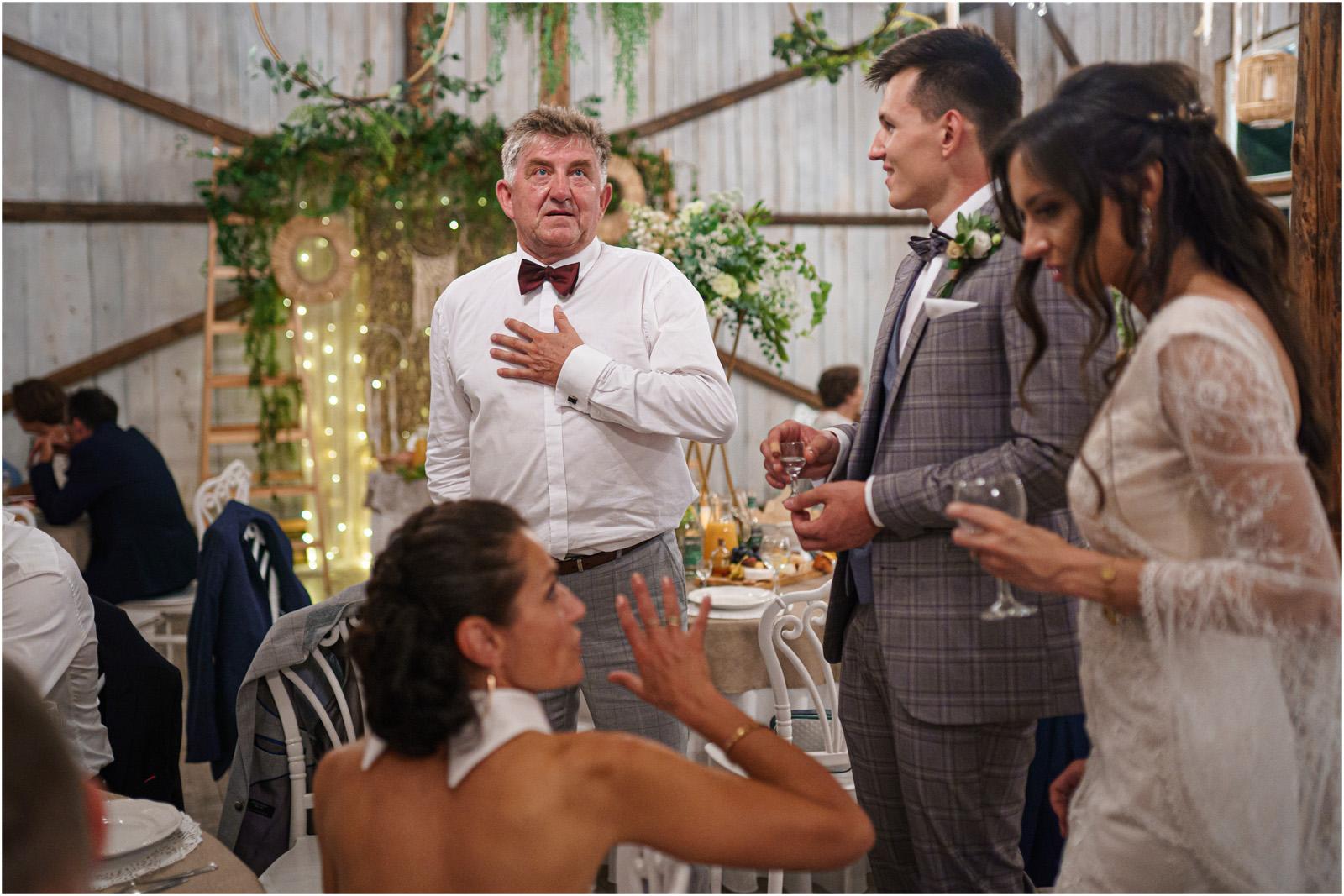 Ania & Mateusz | boho wesele w Stodole pod Kasztanami 85