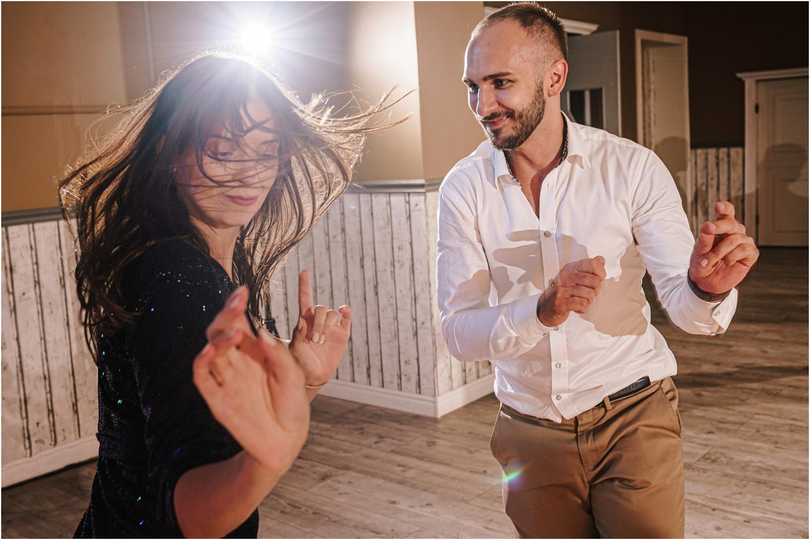 Ania & Mateusz | boho wesele w Stodole pod Kasztanami 114
