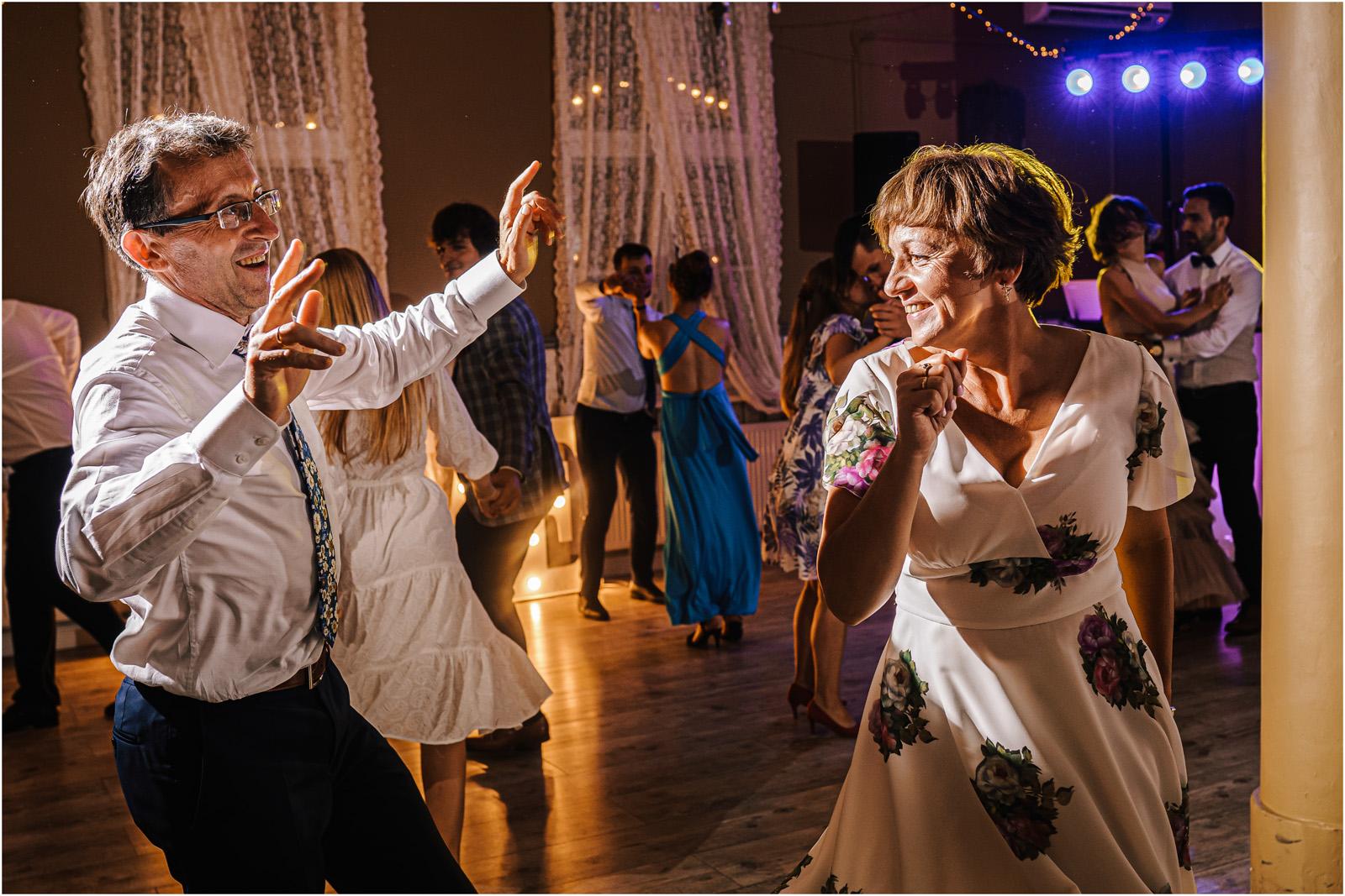 Ania & Mateusz | boho wesele w Stodole pod Kasztanami 113
