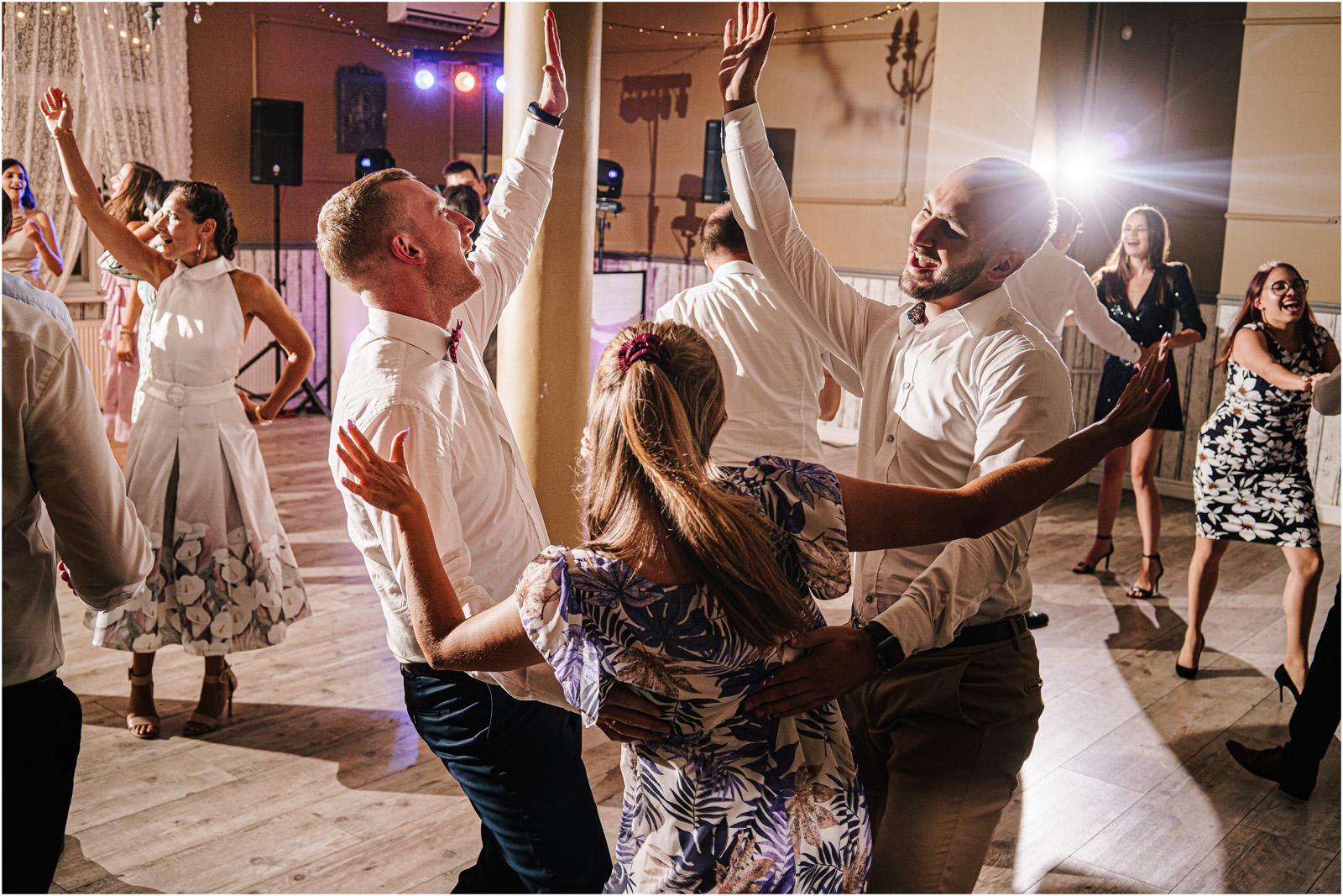 Ania & Mateusz | boho wesele w Stodole pod Kasztanami 120