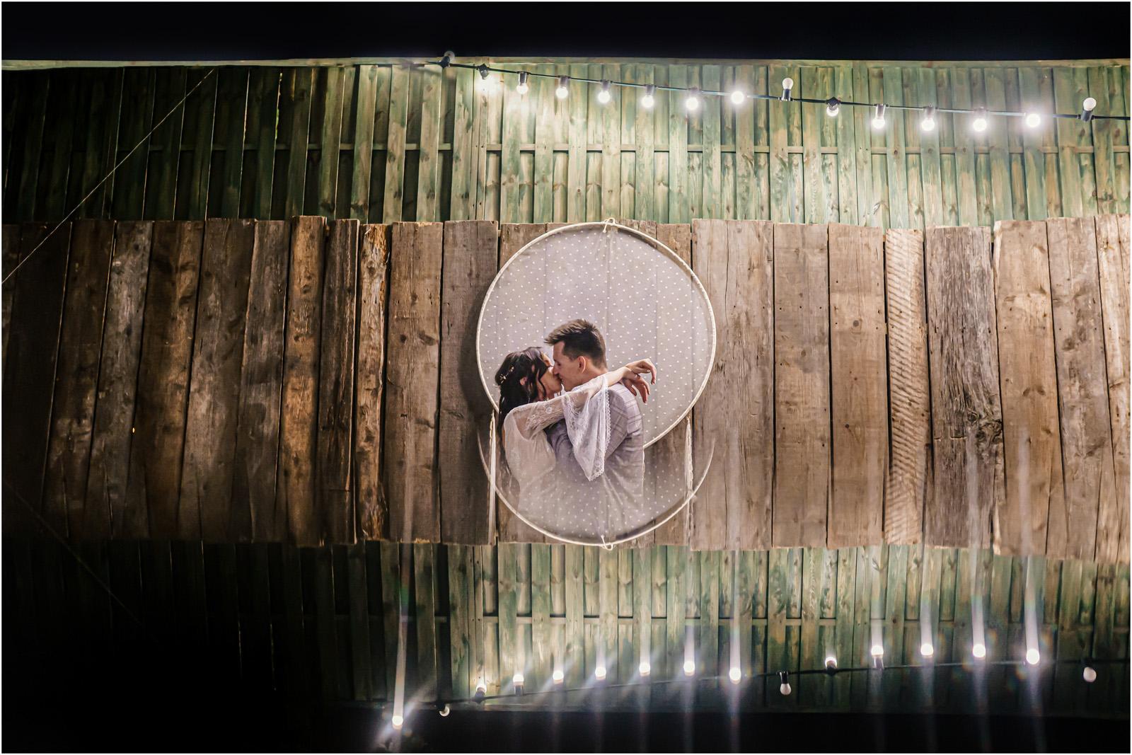 Ania & Mateusz | boho wesele w Stodole pod Kasztanami 154