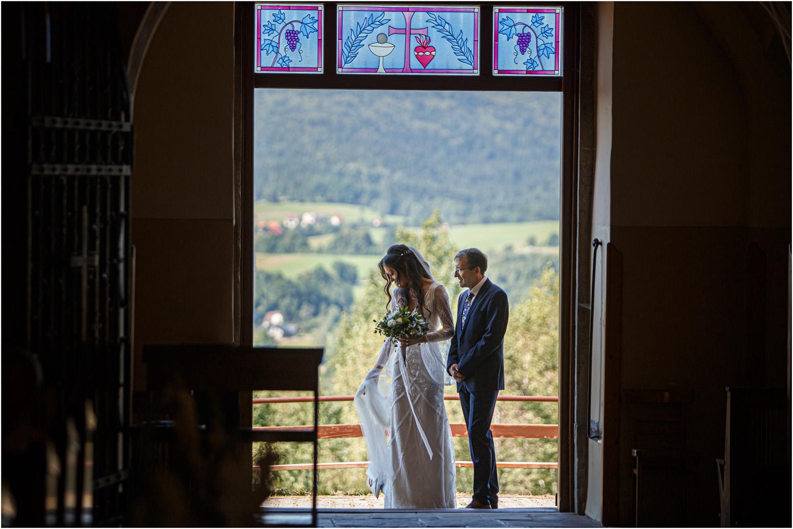 Ania & Mateusz | boho wesele w Stodole pod Kasztanami 35