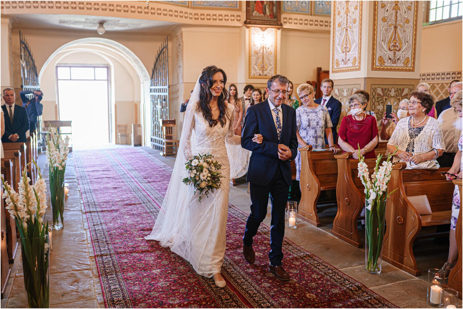 Ania & Mateusz | boho wesele w Stodole pod Kasztanami 39
