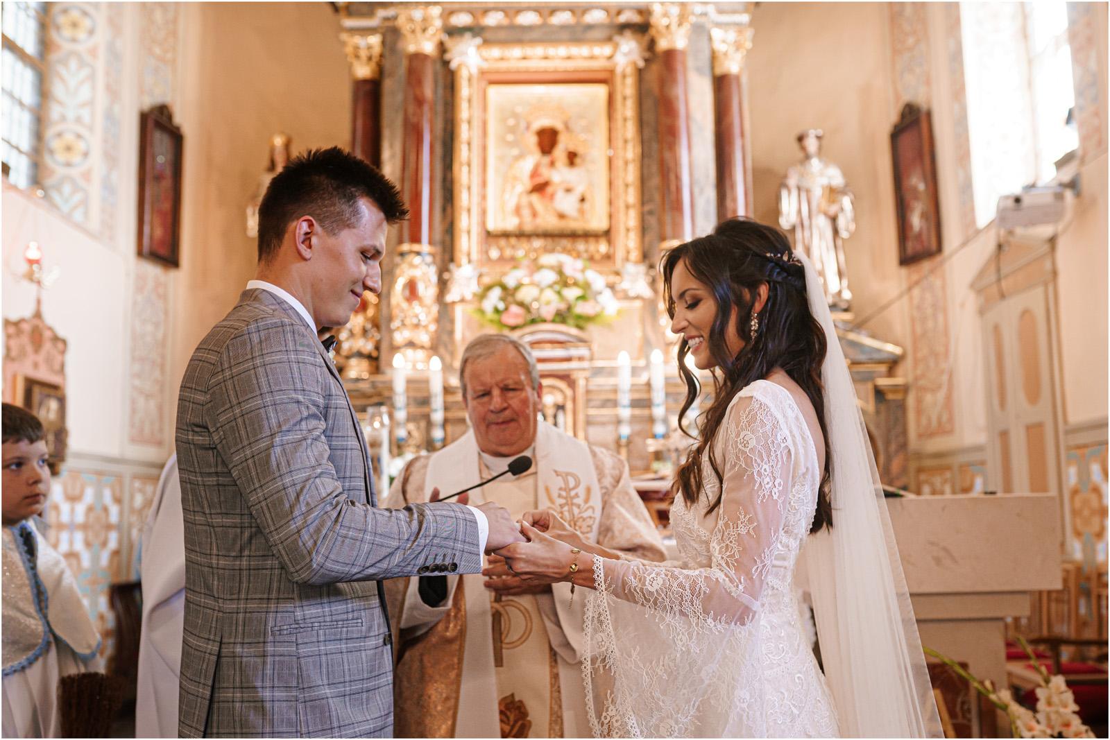 Ania & Mateusz | boho wesele w Stodole pod Kasztanami 45