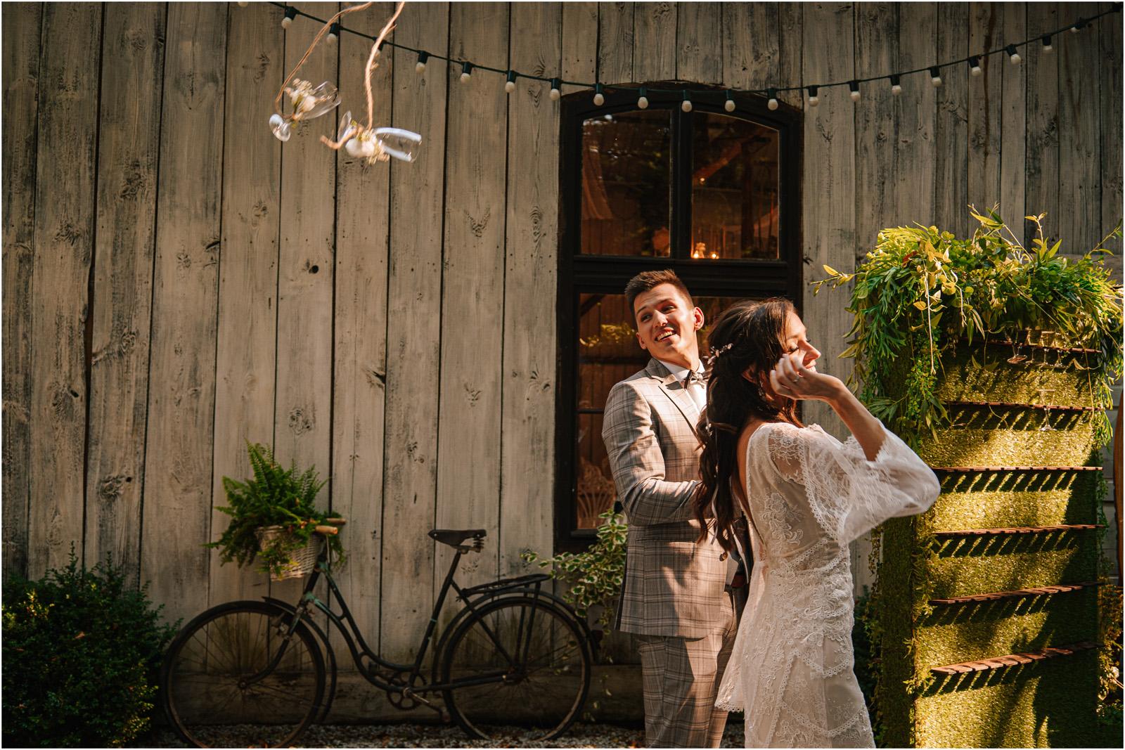 Ania & Mateusz | boho wesele w Stodole pod Kasztanami 76