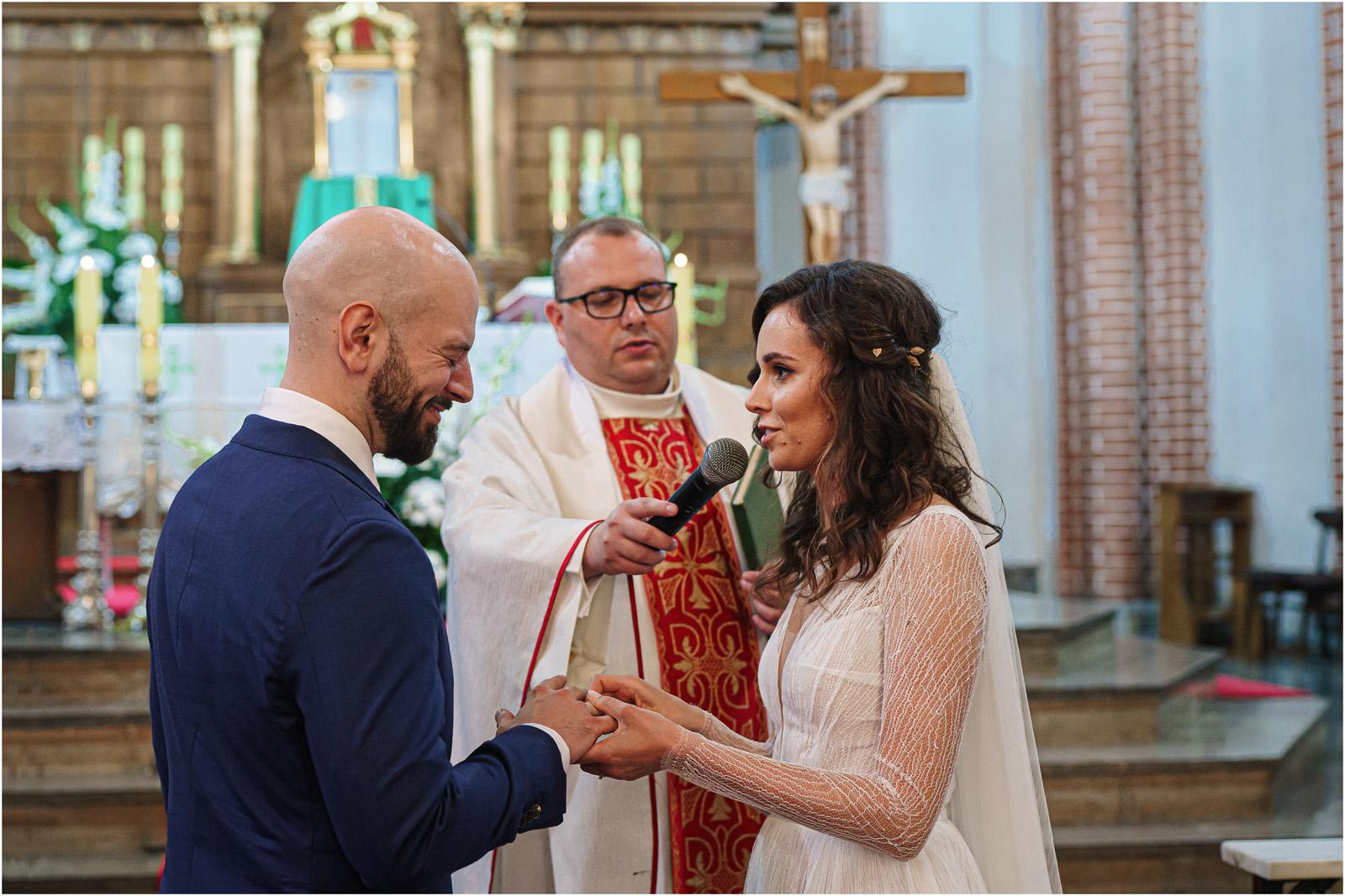 Justyna & Adrian | romantyczne wesele plenerowe w Jaworowym Dworze 36