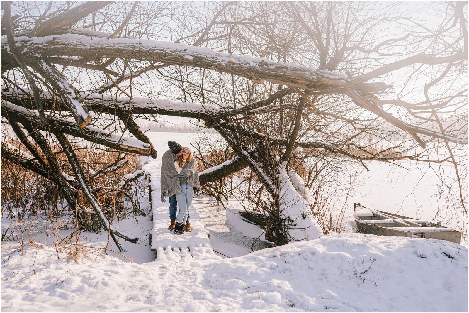 Paulina & Bartek | zimowa sesja nad jeziorem 32